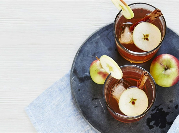 Apple flavored alcoholic drink
