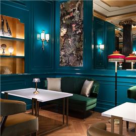 The Lounge Bar - cabinet